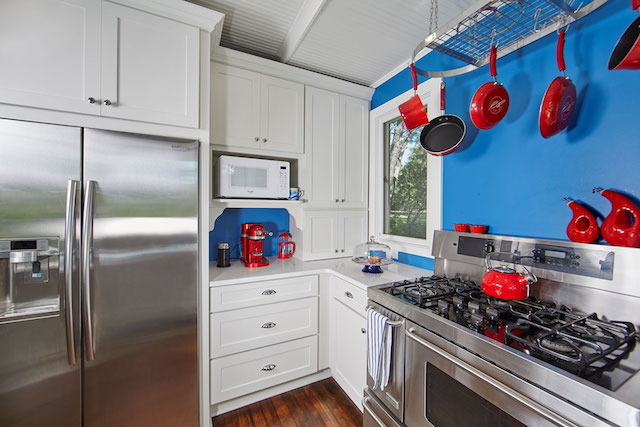 Patriotic color palette for Marine on St. Croix kitchen