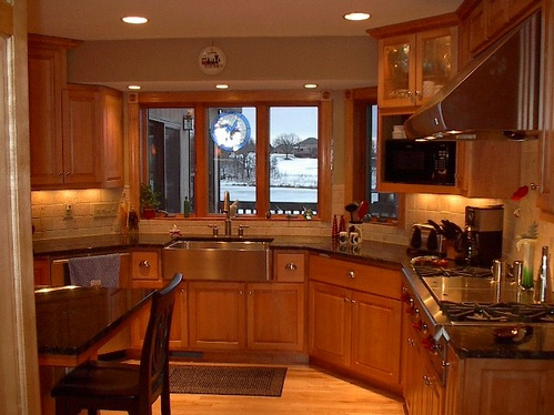 Woodbury kitchen with clipped corners and farm house sink