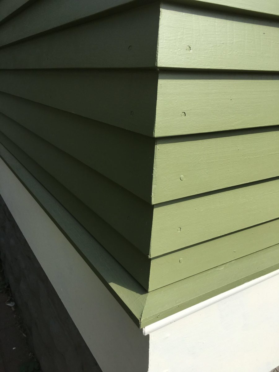 Mitered siding corners