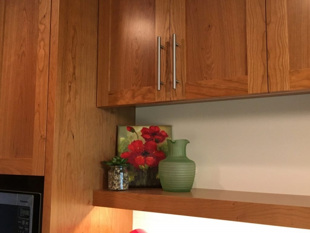 Cabinet with display shelf