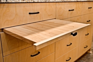 lower pull-out shelf in kitchen remodel